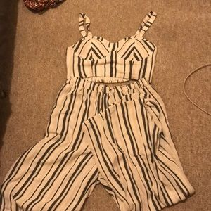 American Eagle 2-piece outfit
